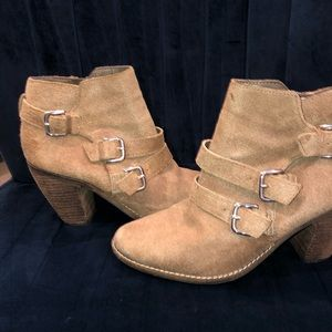DV Dolce Vita Tan Suede Ankle Booties Buckles 10